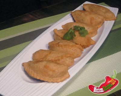 Empanadas em uma bandeja