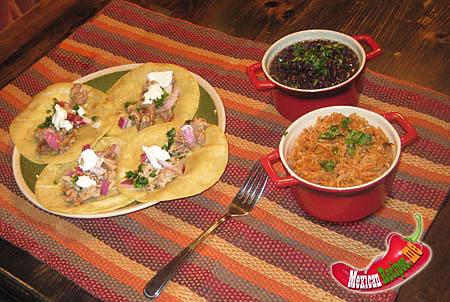 Piatto di tacos di carnitas
